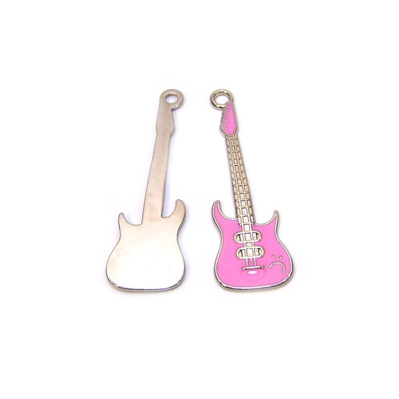 Емальована підвіска Гітара рожева, 19х60мм, сталева